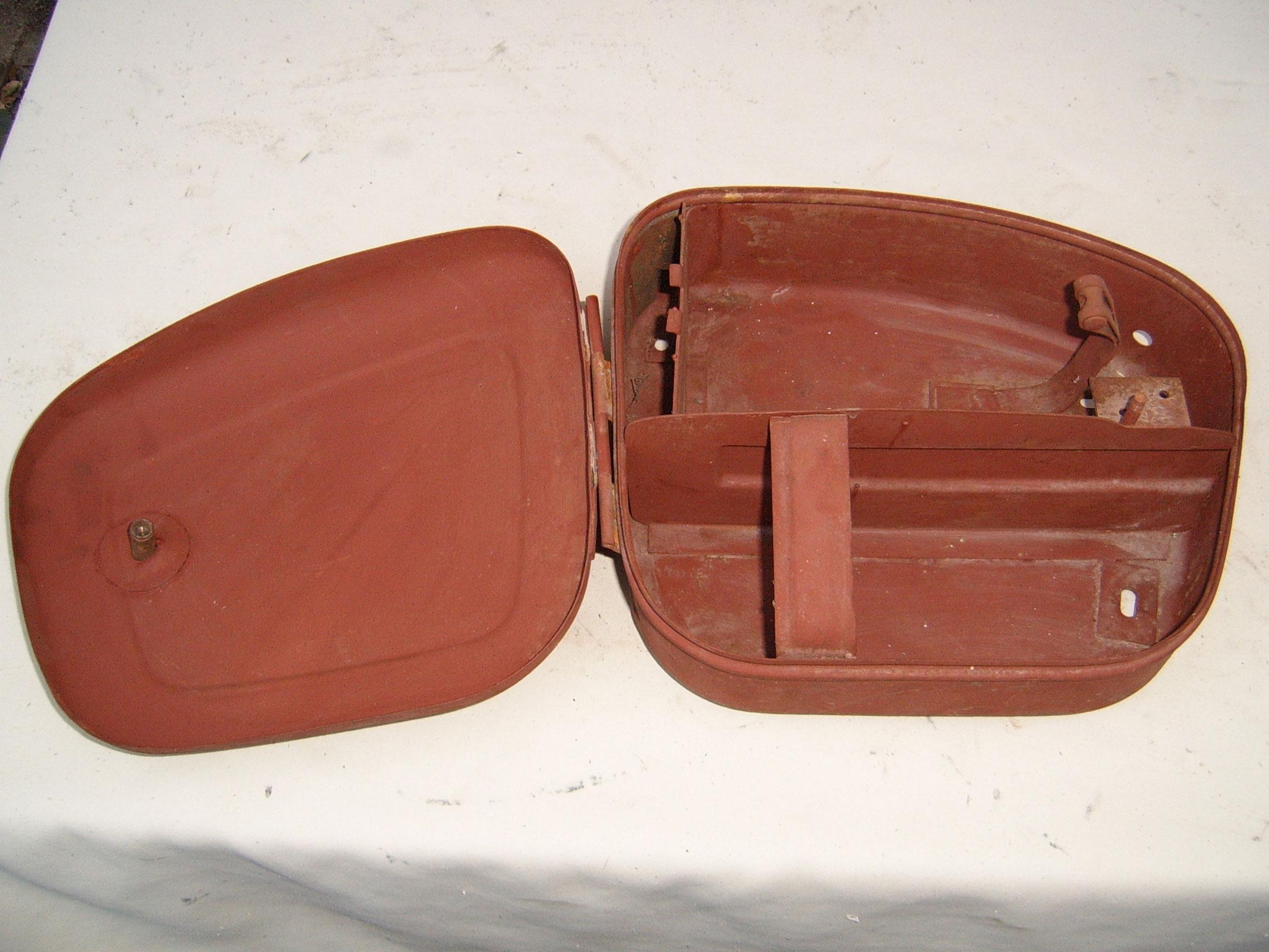 werkzeugbeh lter ifa mz bk 350 breit mz ersatzteileshop. Black Bedroom Furniture Sets. Home Design Ideas